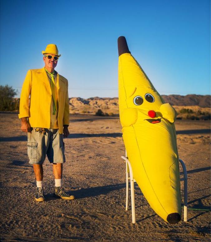 ...on en est maintenant aux vestes jaunes, voire au totally-yellow-dress !