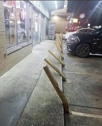 Sur le parking d'un marchand de spiritueux