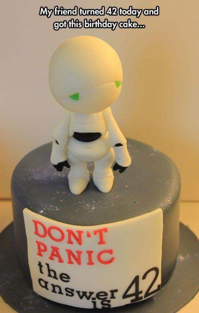 """""""Mon ami a eu 42 ans aujourd'hui et a eu ce gâteau d'anniversaire..."""""""