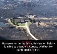 Une maison dans l'incendie
